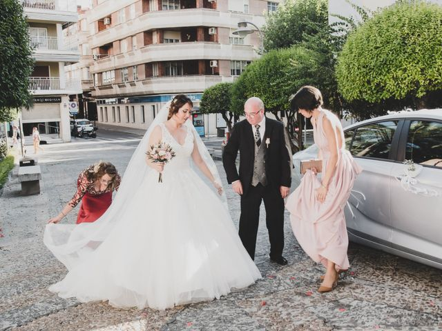La boda de Saúl y Nedielka en Malagon, Ciudad Real 35
