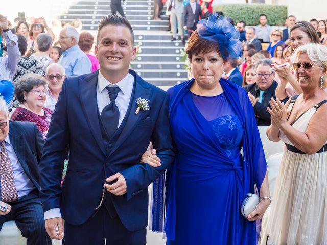 La boda de Javier y Celia en Benidorm, Alicante 24