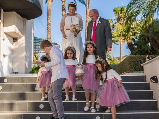 La boda de Javier y Celia en Benidorm, Alicante 27