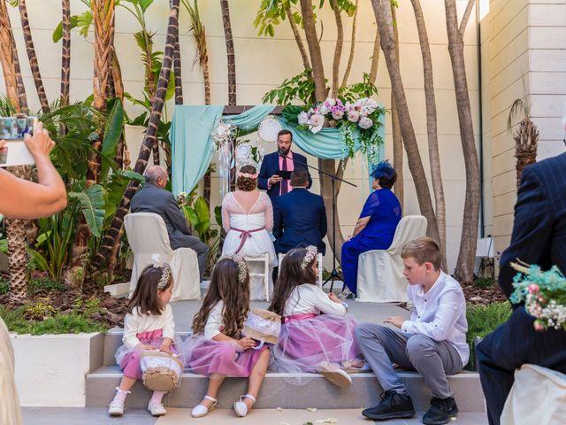 La boda de Javier y Celia en Benidorm, Alicante 30