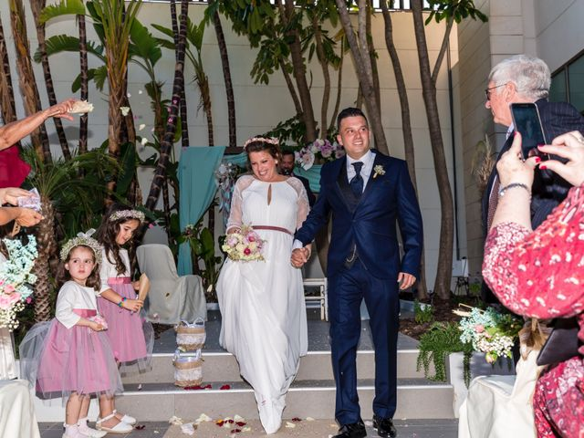 La boda de Javier y Celia en Benidorm, Alicante 35