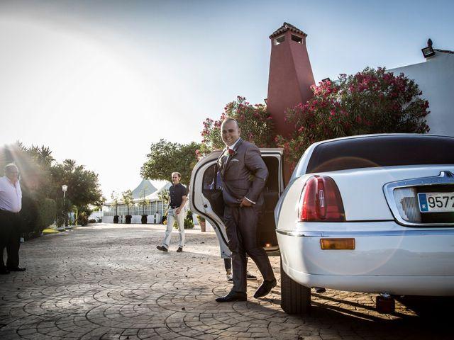 La boda de Juan Antonio y Carolina en La Algaba, Sevilla 28