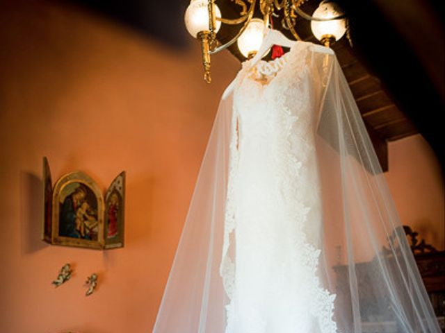 La boda de Rafael y Aurora en Torrecaballeros, Segovia 38