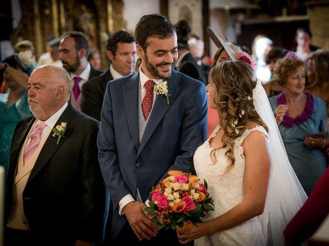 La boda de Rafael y Aurora en Torrecaballeros, Segovia 85