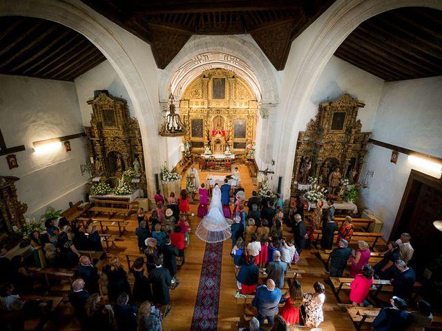 La boda de Rafael y Aurora en Torrecaballeros, Segovia 88