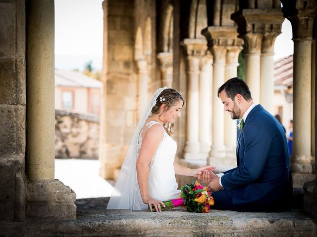 La boda de Rafael y Aurora en Torrecaballeros, Segovia 94