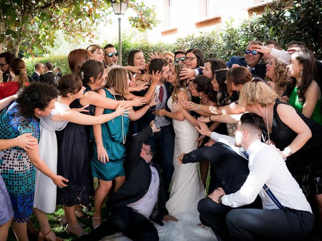 La boda de Rafael y Aurora en Torrecaballeros, Segovia 131