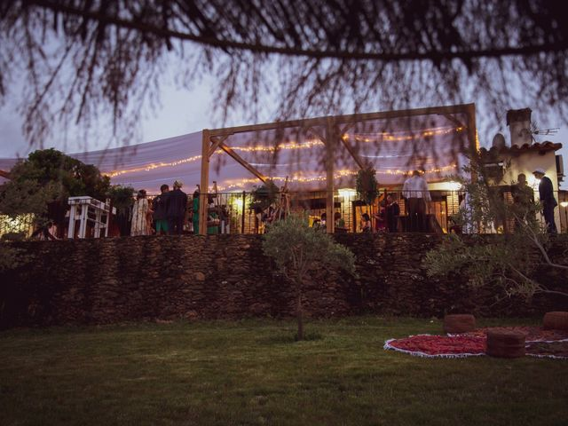 La boda de Raúl y Mabel en Almonaster La Real, Huelva 4