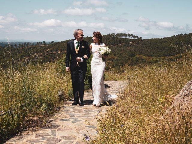 La boda de Raúl y Mabel en Almonaster La Real, Huelva 17