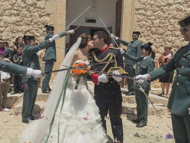 La boda de Ismael y Rocío en Casas De Los Pinos, Cuenca 25