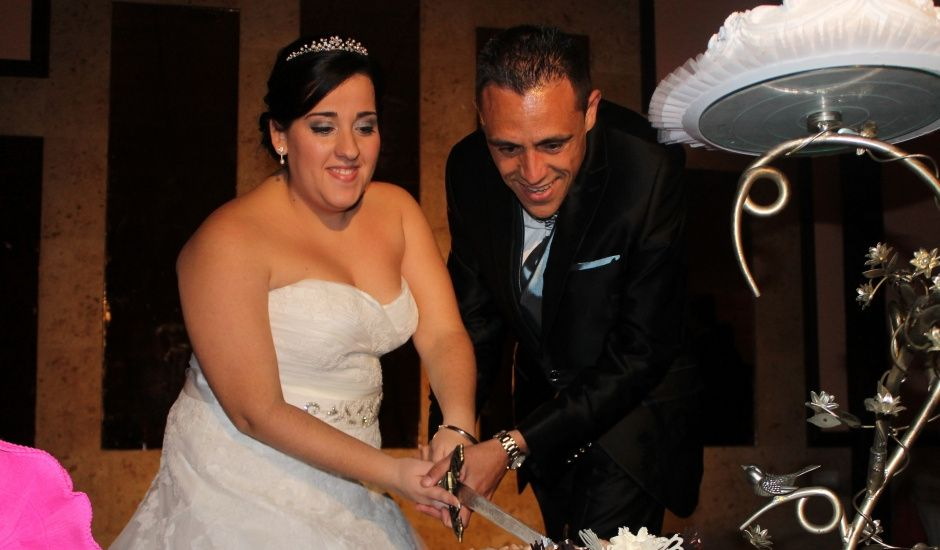 La boda de Toñi y Blas en San Fernando, Cádiz
