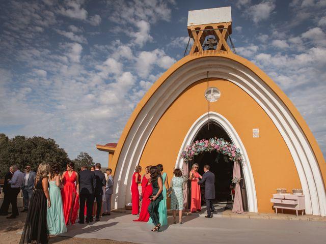 La boda de Alberto y María en Moraleja, Cáceres 35