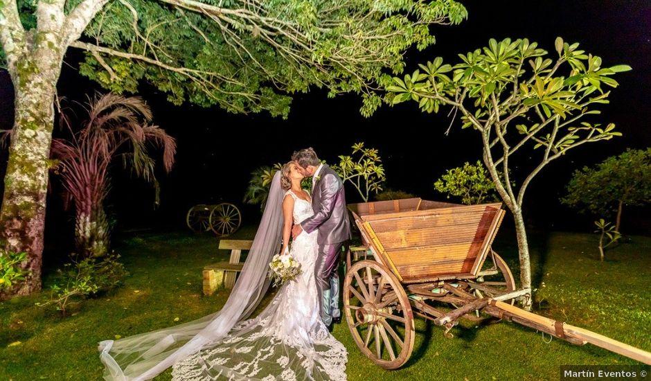 La boda de Ricardo y Andeia en Oviedo, Asturias