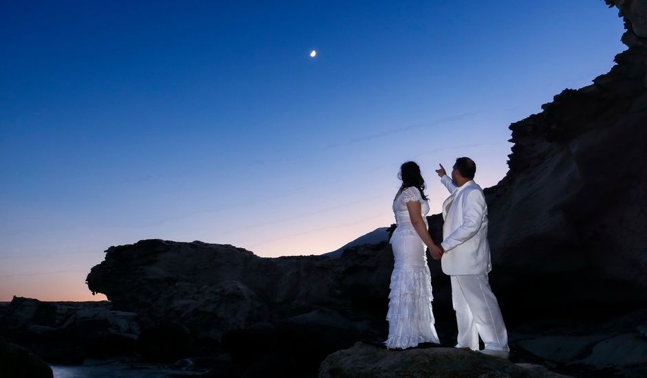 La boda de Rodrigo y Ester en San Jose, Almería