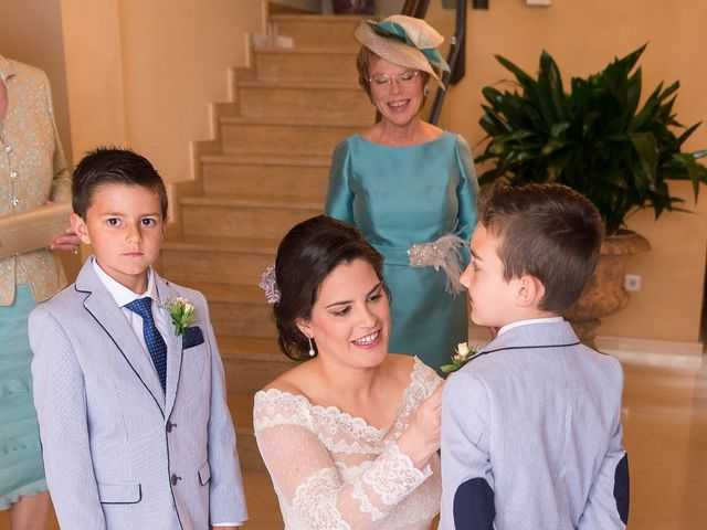 La boda de Ángel y Emérita en L' Olleria, Valencia 26