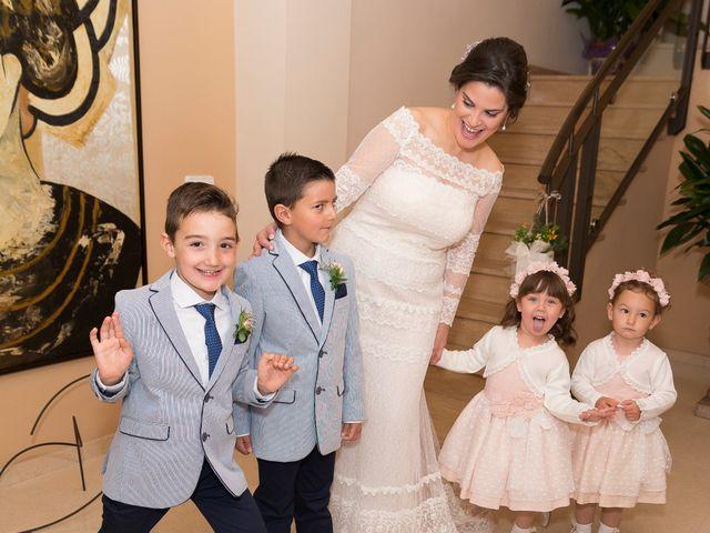 La boda de Ángel y Emérita en L' Olleria, Valencia 30