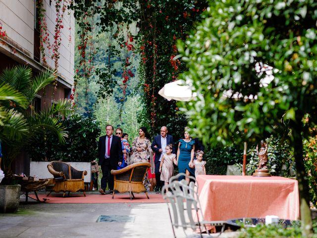 La boda de Mikel y Leire en Zumarraga, Guipúzcoa 27
