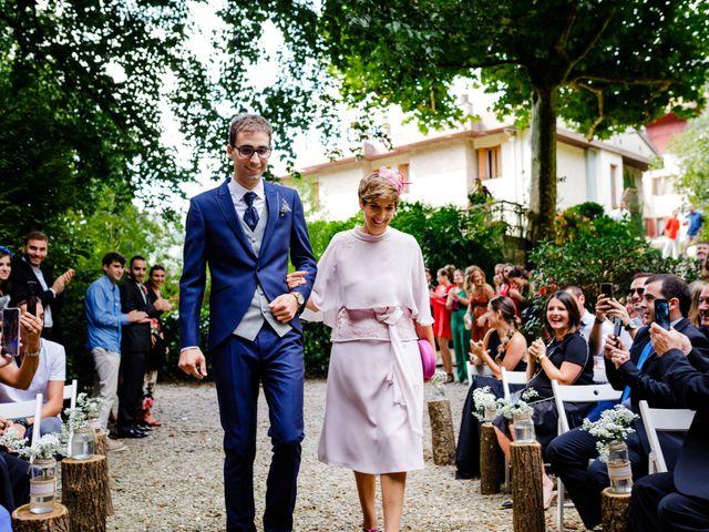 La boda de Mikel y Leire en Zumarraga, Guipúzcoa 31