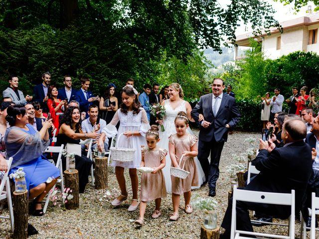 La boda de Mikel y Leire en Zumarraga, Guipúzcoa 33