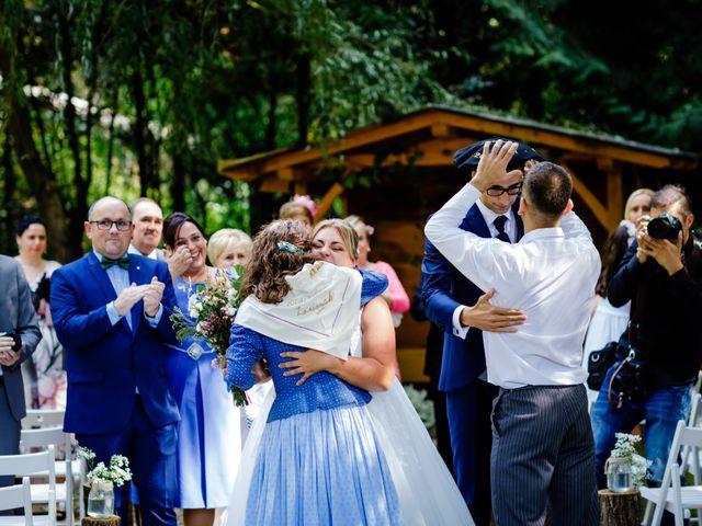 La boda de Mikel y Leire en Zumarraga, Guipúzcoa 52