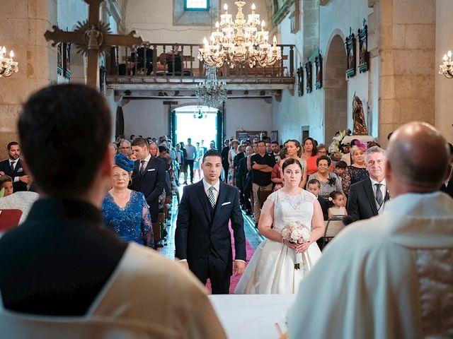 La boda de Daniel y Arancha en Outes, A Coruña 10