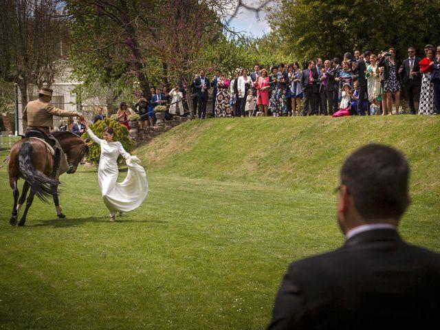La boda de Rubén y Edurne en Armentia, Álava 35