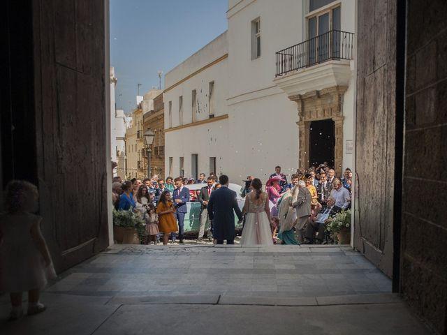 La boda de Victoria y Roberto en Cádiz, Cádiz 4
