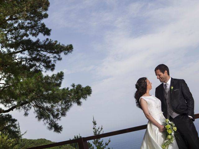 La boda de Jonatan y Itxaso en Bakio, Vizcaya 35