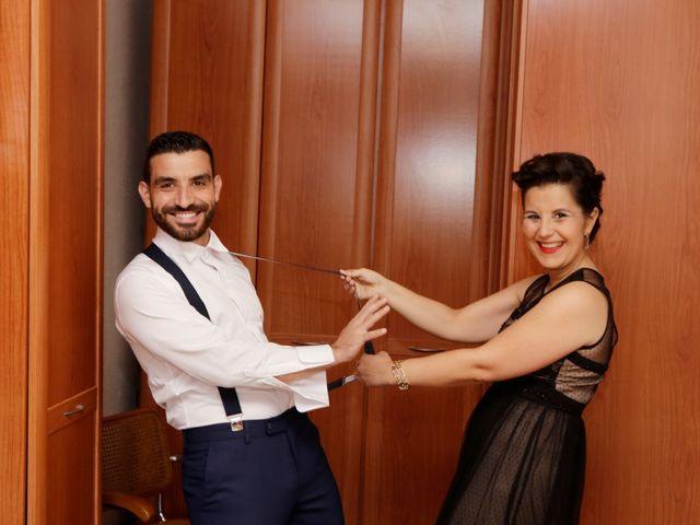 La boda de Elena y Juan Carlos en Dos Hermanas, Sevilla 1