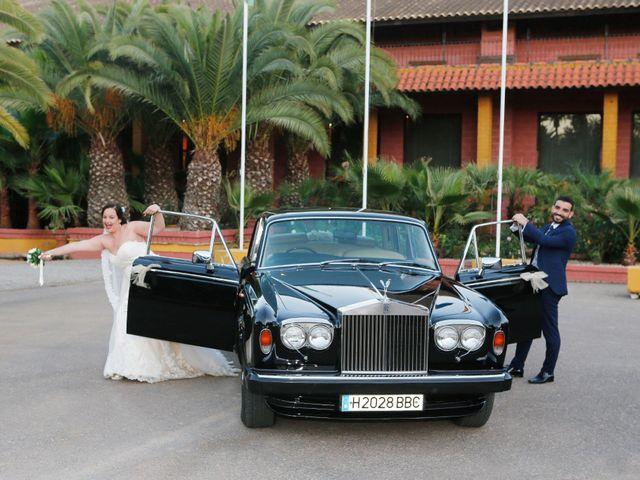 La boda de Elena y Juan Carlos en Dos Hermanas, Sevilla 17