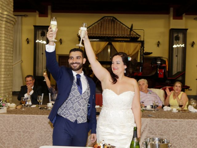 La boda de Elena y Juan Carlos en Dos Hermanas, Sevilla 23