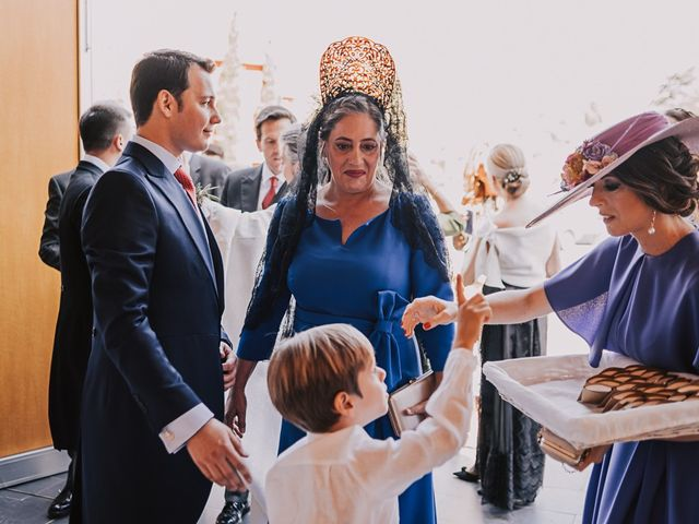La boda de Maro y Hugo en Sevilla, Sevilla 33