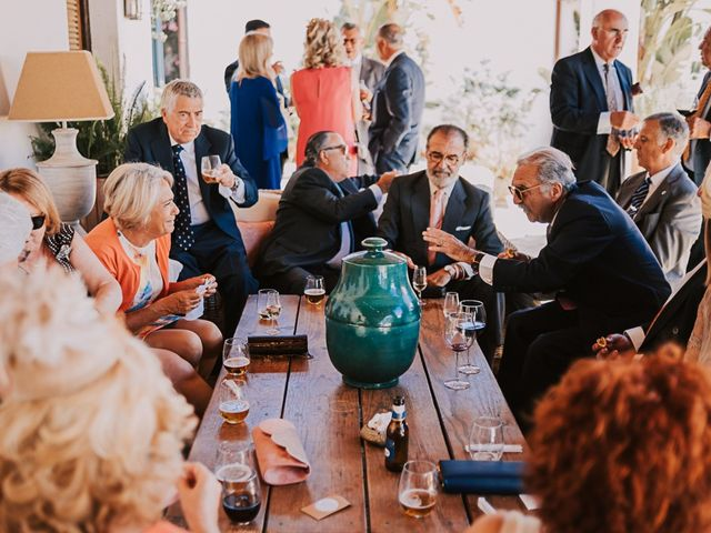 La boda de Maro y Hugo en Sevilla, Sevilla 77