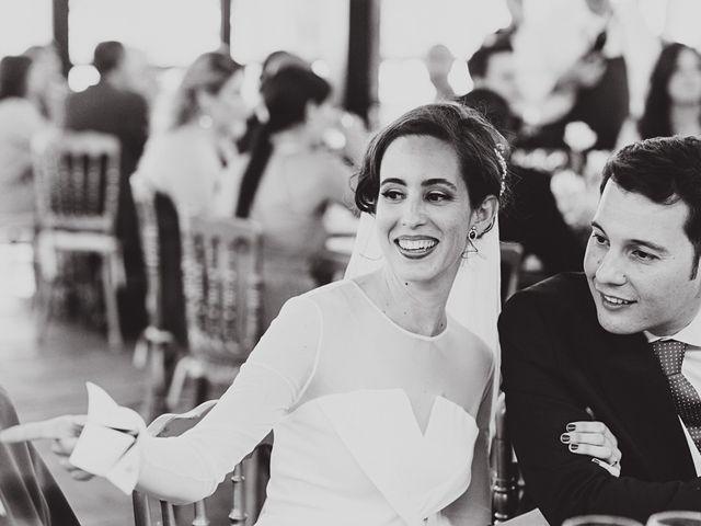 La boda de Maro y Hugo en Sevilla, Sevilla 103