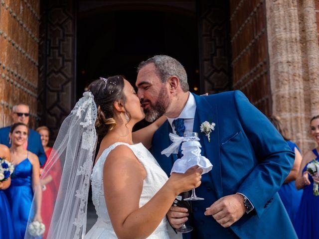 La boda de Jose y Silvia en Chiclana De La Frontera, Cádiz 33