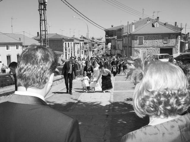 La boda de César y María en Cuellar, Segovia 15