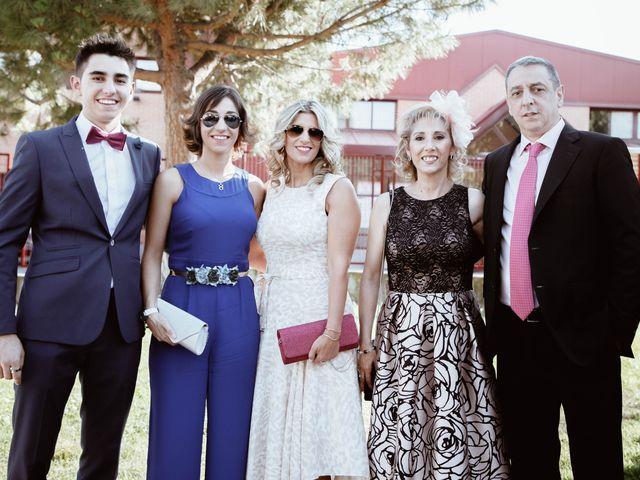 La boda de Ana y Rubén en Madrid, Madrid 21