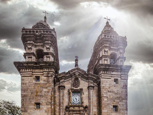 La boda de Javi y Diana en Santiago De Compostela, A Coruña 23