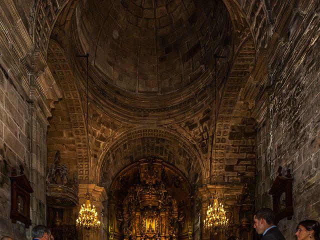 La boda de Javi y Diana en Santiago De Compostela, A Coruña 24