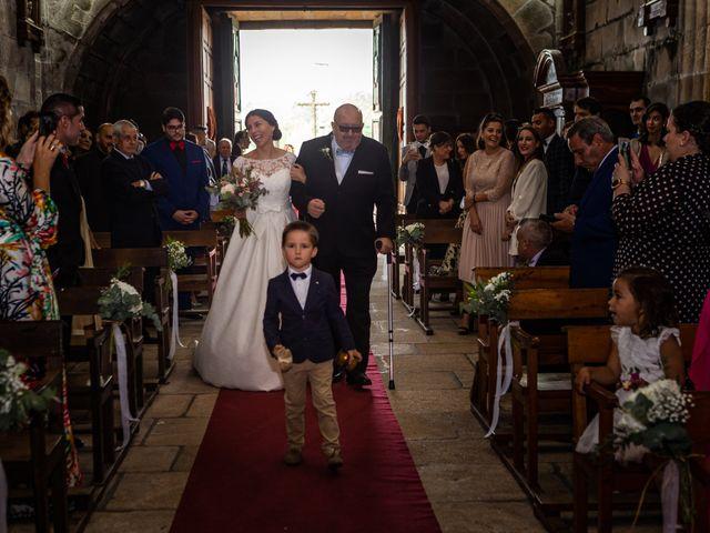 La boda de Javi y Diana en Santiago De Compostela, A Coruña 25