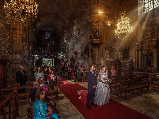 La boda de Javi y Diana en Santiago De Compostela, A Coruña 26