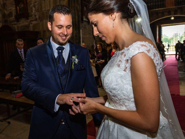 La boda de Javi y Diana en Santiago De Compostela, A Coruña 30