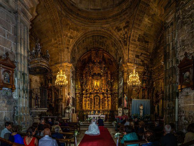 La boda de Javi y Diana en Santiago De Compostela, A Coruña 32