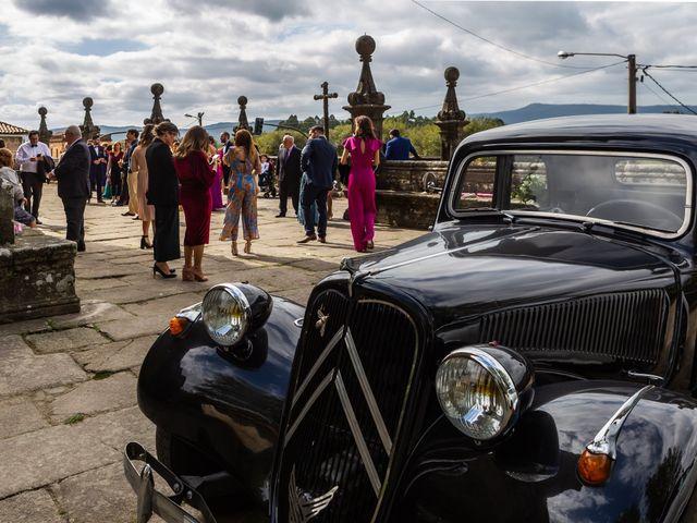 La boda de Javi y Diana en Santiago De Compostela, A Coruña 35