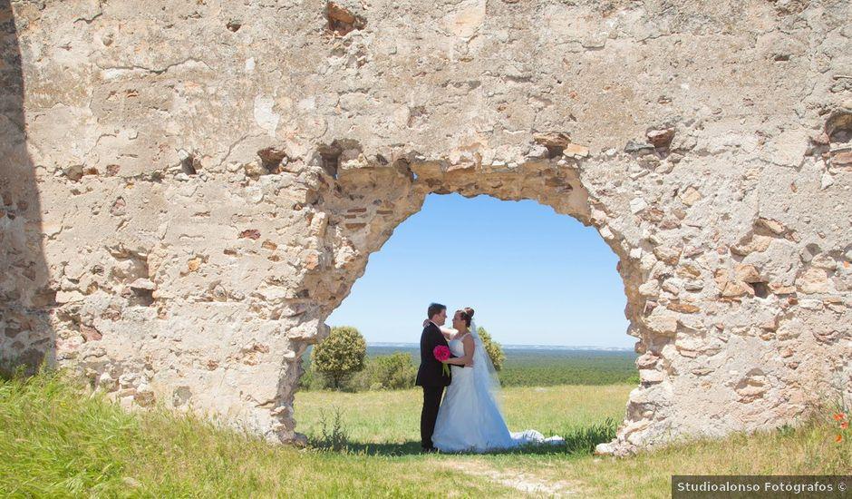 La boda de César y María en Cuellar, Segovia
