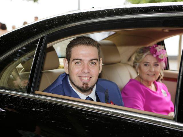 La boda de Javier y Beatriz en Sevilla, Sevilla 9