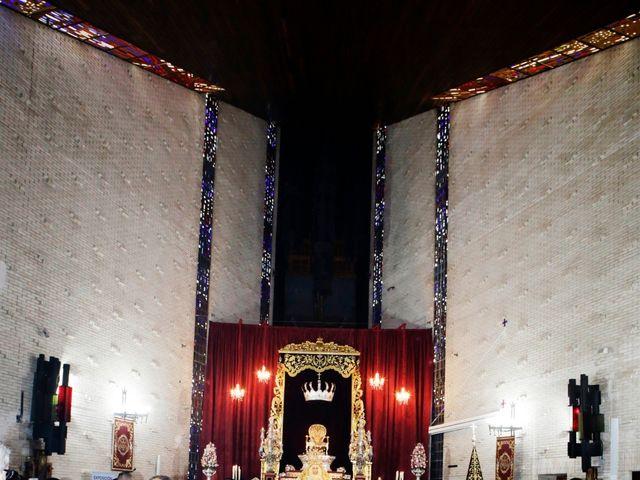 La boda de Javier y Beatriz en Sevilla, Sevilla 12