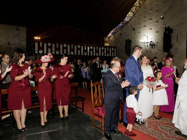 La boda de Javier y Beatriz en Sevilla, Sevilla 13