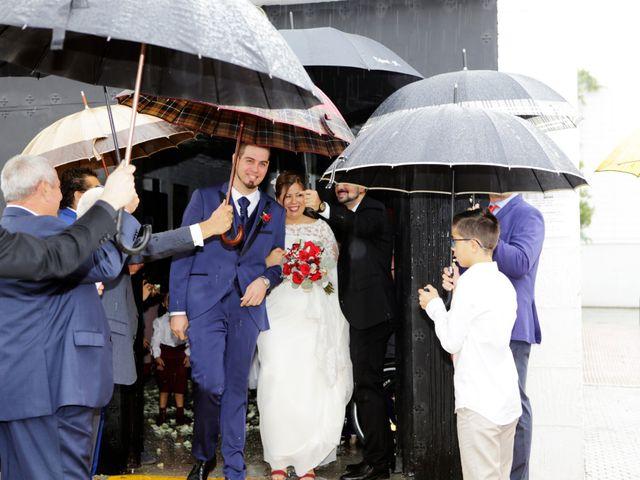 La boda de Javier y Beatriz en Sevilla, Sevilla 15