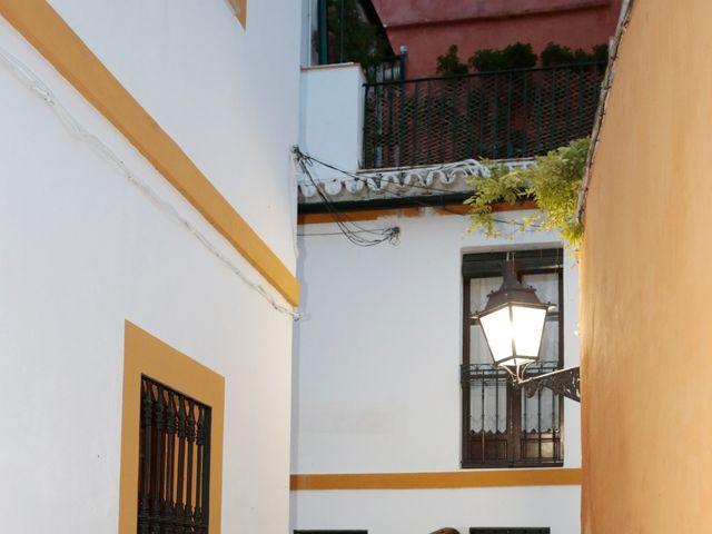 La boda de Javier y Beatriz en Sevilla, Sevilla 19